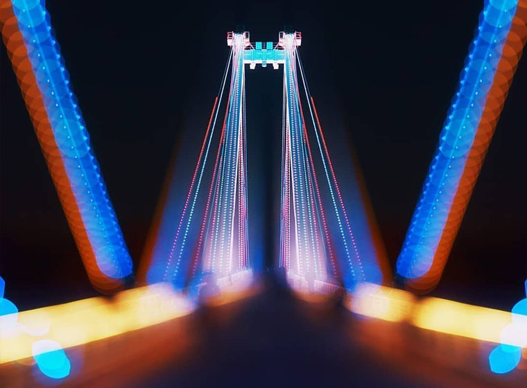 A dazzling architectural LED show